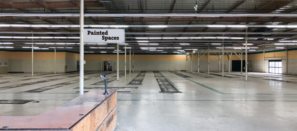Picture of an empty retail store